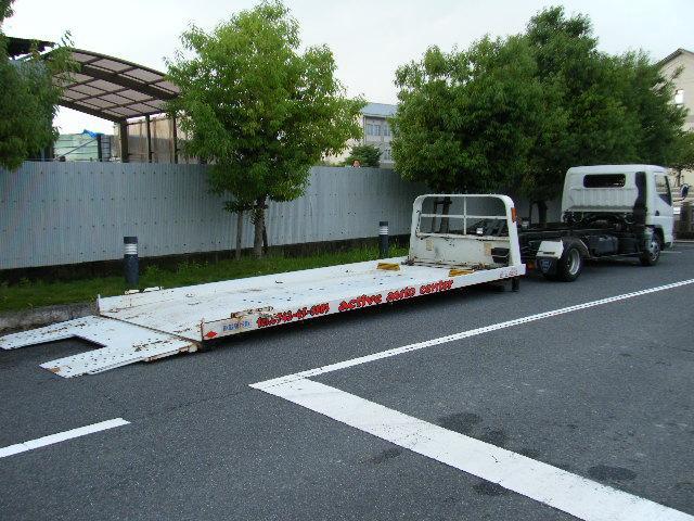自社で積載車を完備。フルフラットなので、エアロ・ローダウンにもばっちり対応できます。