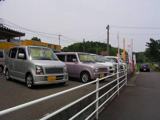 本店は、お買得の軽自動車を中心に、展示販売しております」!全車安心の支払総額表示です♪