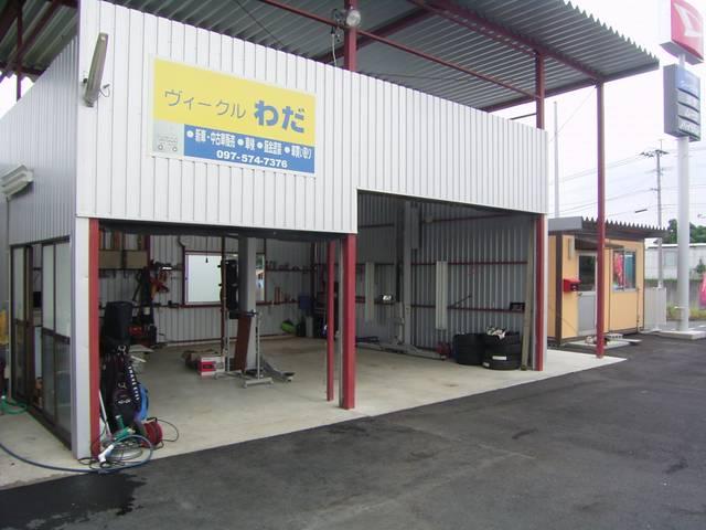 2号店の自社整備工場!納車前整備から、アフター面での車検・整備・修理を行います。納車後もお気軽に♪