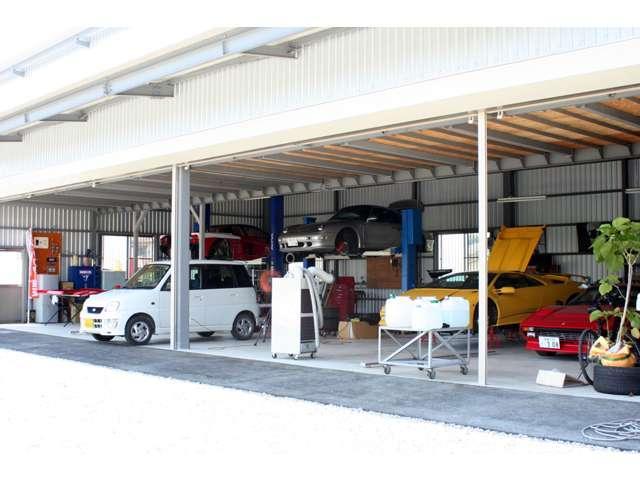 整備工場完備★お車の事なら何でもお任せ!お気軽にお電話下さい。明るいスタッフがお待ちしております!