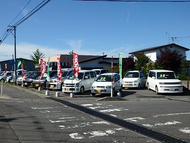 在庫は軽自動車から商用車やミニバン・セダンまで幅広く在庫中です。もちらん4WDがメインです。