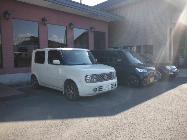 軽自動車・普通車・コンパクトカー・セダン・輸入車まで幅広く展示中です。