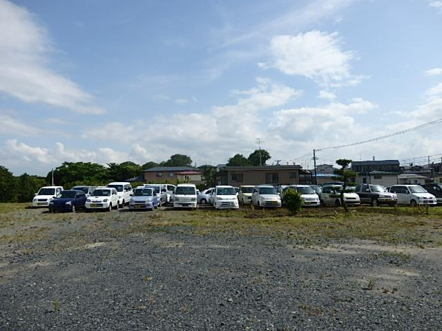 業販セレクトは、本社へ入庫直後の仕上げ前車両を、業者様以外の一般のお客様へも販売する窓口です♪