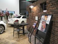 ◆◆店舗内◆◆待ち時間は、雑誌や各種カタログを見ながらゆっくりとお過ごし下さい。