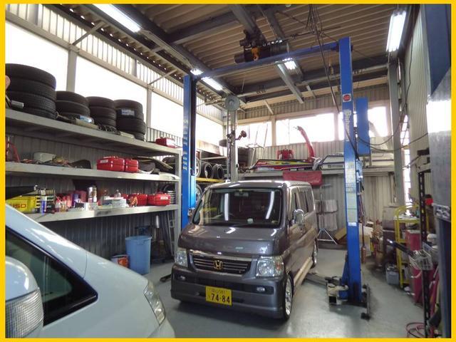 自社工場も完備しております!車検からオイル交換までアフターサービスも重要項目と位置付けております!