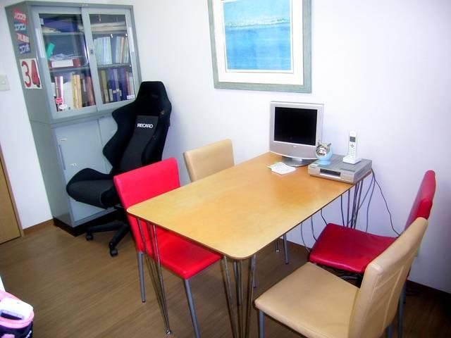 商談スペースは、清潔に明るくがモットーです!