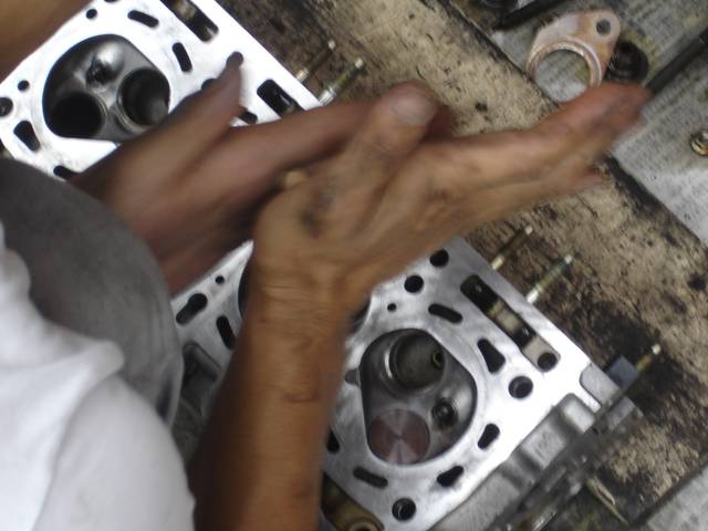 エンジンの本体のオーバーホール等、遠慮なくご相談下さい。