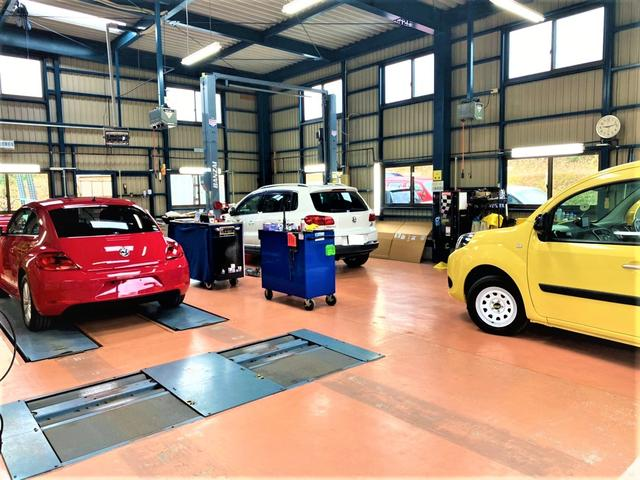 販売車両全車にエアコンメンテナンス機材ボッシュACS751を用い新車時に近い冷え冷えな状態に整備!!