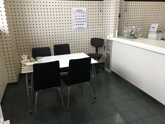 商談スペースも完備しておりますので、お客様のご要望などお聞かせ下さい。
