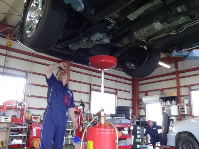 (有)オート倶楽部のアフターサービス オイル交換やタイヤの組み換えから車検・整備までお気軽にどうぞ♪