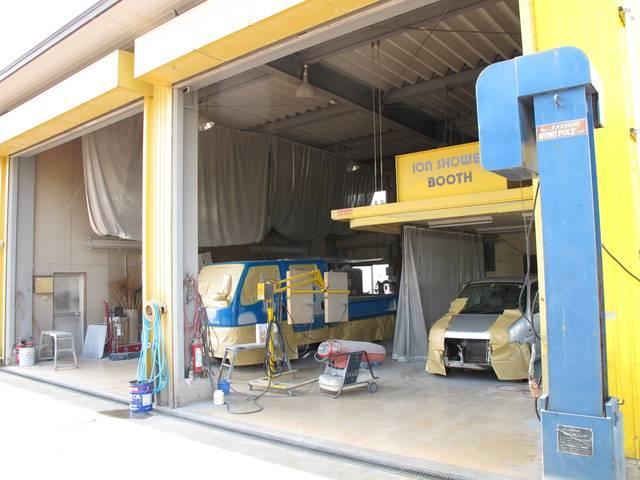 (有)アイビーオート ダンプ・クレーン・トラック・軽バンのアフターサービス ★小型車から大型トラックまで入庫可能な工場・設備が整っています