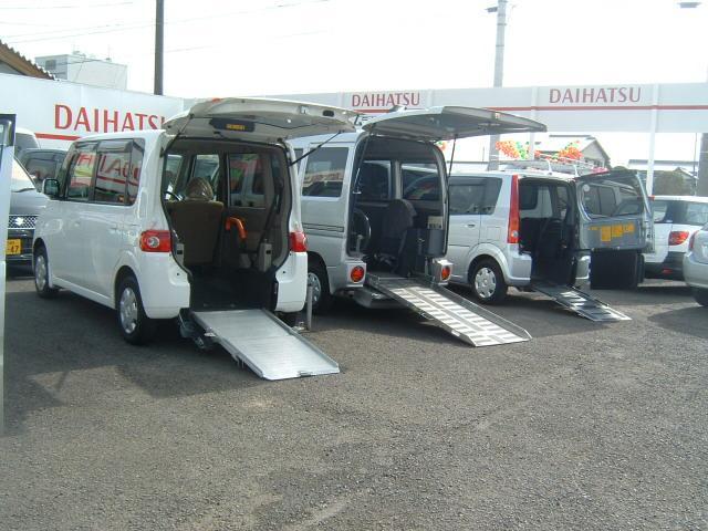 福祉車両にも力を入れております!販売はもちろん、ご不要になった福祉車両の買取りも大歓迎です!