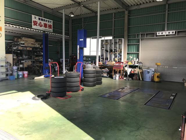 当社は認証整備工場完備。ディーラーならではの安心したメンテナンスを受けられます。