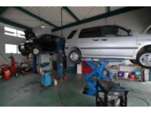 弊社は四国陸運局の認証工場ですので、車検、修理のメンテナンスにも対応しています。