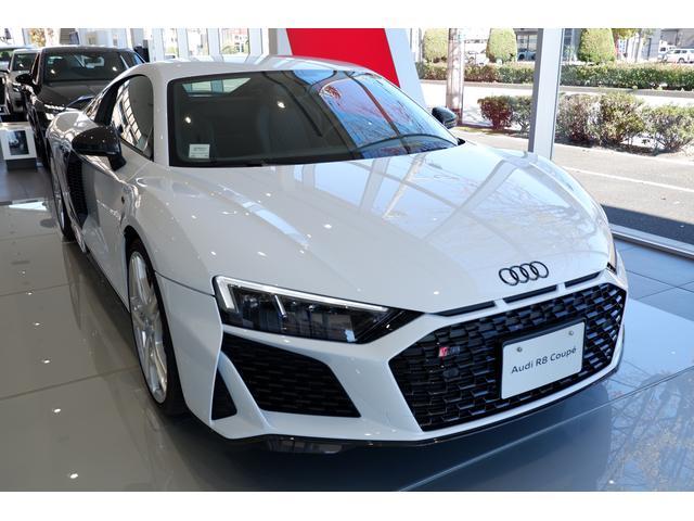 Premium Modelも展示中。アウディの車造りにかける思いが感じられます。