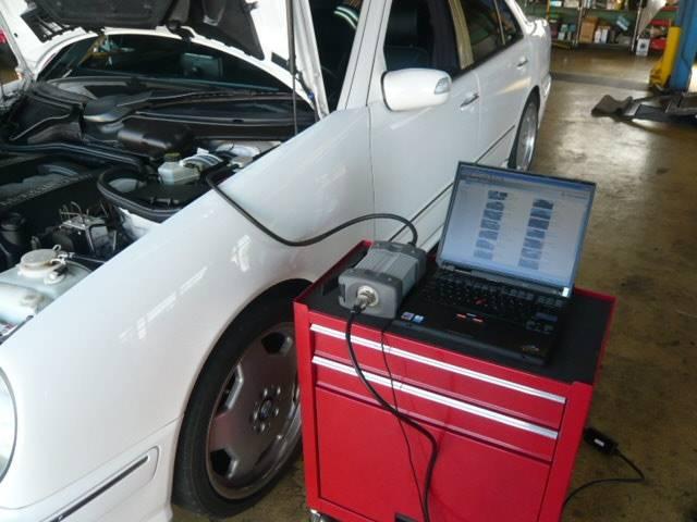 コンピューター診断機を完備しておりますのでお車の不調や異常も素早く診断させていただきます。