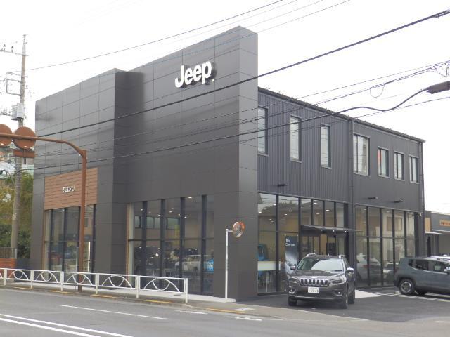 ジープ正規ディーラーの「ジープ府中店」です!高年式車から希少な並行車まで取扱いしております!