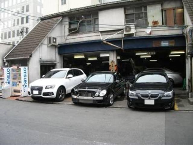 メルセデスに限らず、あらゆる輸入車の整備は信頼と実績の当社にお任せ下さい。