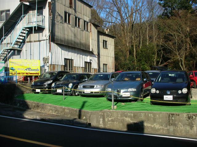 輸入車を中心に在庫しております。在庫車は厳選した車両のみを展示しておいります。