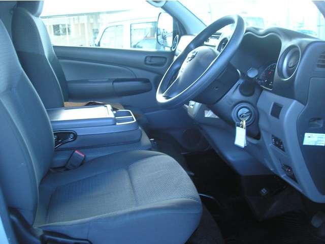 DX ロング Dターボ 5AT 4WD 標準ルーフ 低床(9枚目)