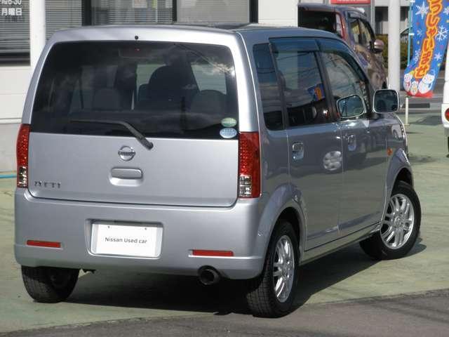 コンパクトなサイズであるため、小回りがきき、街乗りで大活躍する車です。