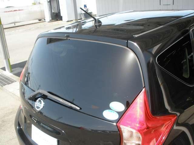 リヤガラスはプライバシーガラスです。冷暖房の効率UPに役立ちます!