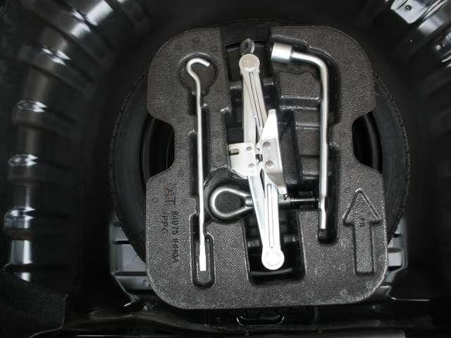 1,5ニスモ S 5MT・純正メモリーナビ・フルセグ DVD再生・音楽録音・ETC・オートライト・オートエアコン(13枚目)
