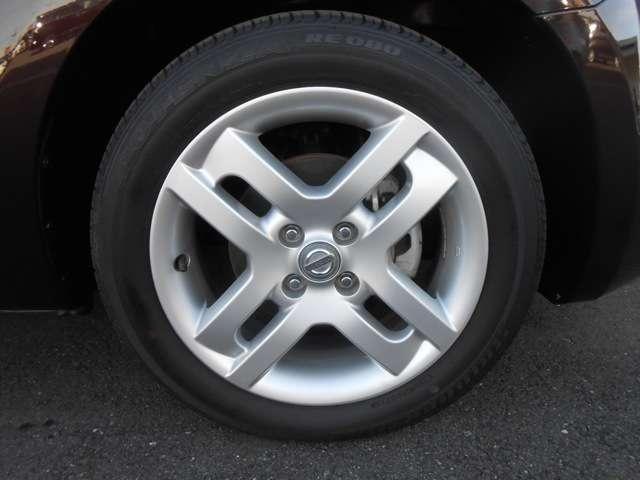 195/55R16タイヤに純正アルミです。