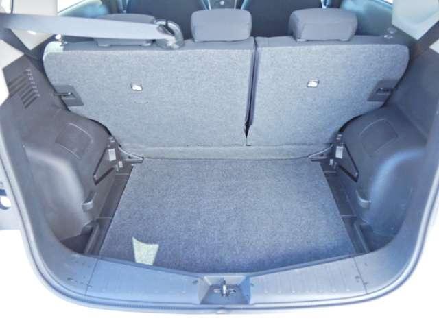 大容量トランク!奥行きもあり、大きな荷物も楽に積み降ろしが可能です!