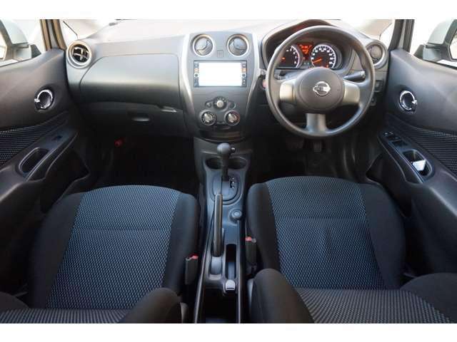 この様に、運転席周りもキレイな状態です。品質も良好です。納車前には入念な点検整備を実施して、安心をお届けします。