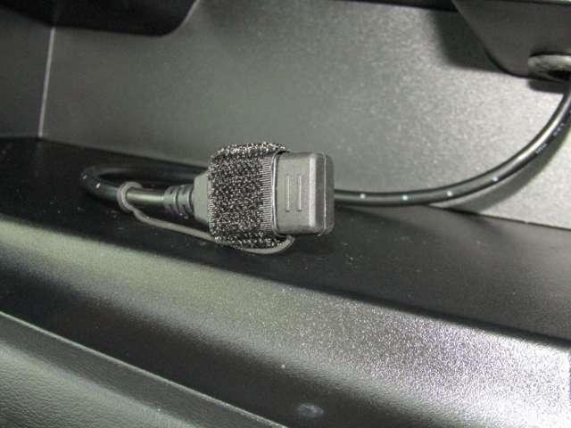 USB接続で、ipodや、アイフォンの接続、機種の充電にも使えて便利です。