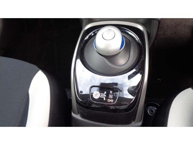 e-パワー X 純正メモリーナビ アラウンドビューモニター 衝突軽減ブレーキ ドライブレコーダー ETC付 LDW 車線逸脱警報 LEDヘッドライト インテリジェントキーシステム 人気 カラー(9枚目)