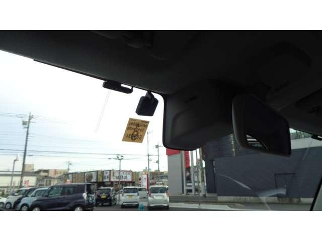 Jスタイル メモリーナビ フルセグTV 衝突軽減ブレ-キ HIDヘッドライト シートヒーター ETC スマートキーシステム オートエアコン DVD視聴可 人気ツートンカラー アイドリングストップ(12枚目)