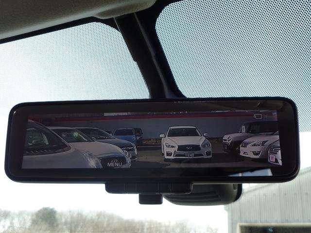 インテリジェンオル-ムミラ-なら、後ろに人が乗っても荷物を満載しても後方視界を確保。スイッチで通常のミラ-荷もなります。