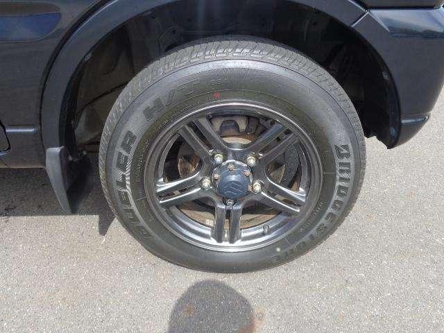 タイヤサイズは175/80R16です