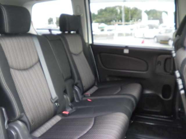 ★リヤシートはとてもリラックスできる空間です。