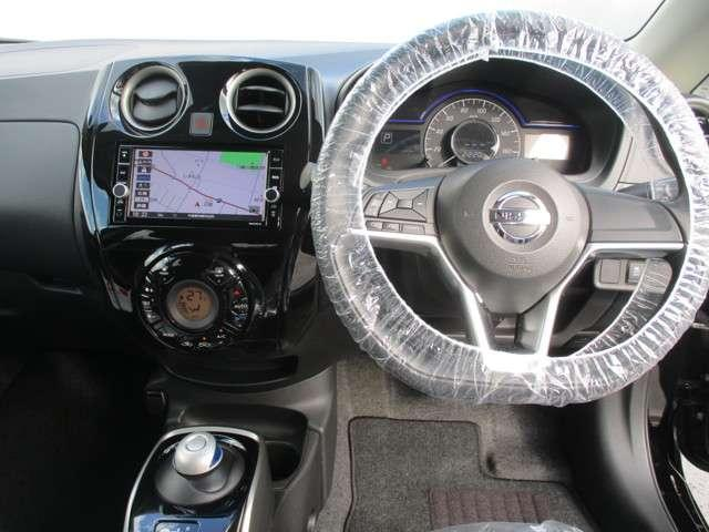 e-POWER X 社用車UP、踏み間違い防止、純正ナビ(5枚目)
