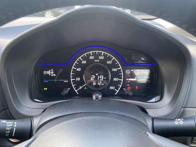 e-パワー メダリスト アラウンドビューモニタードライブレコーダー メモリーナビ フルセグTV ETC車載器 エマージェンシーブレーキ スマートミラー プッシュスタート インテリキー(11枚目)