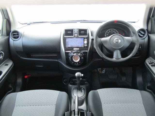 広々としたガラスエリアで車両感覚がつかみやすく、小回りも良く効きます♪