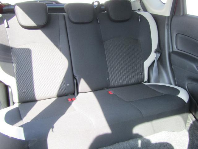 シートのボリュームもしっかりあるので、すわり心地も良好、ロングドライブも快適です(^_^)v
