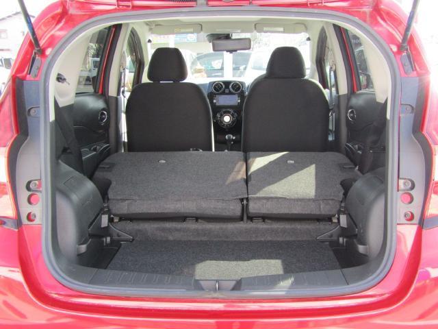 リヤシートを倒せばラゲッジが更に拡大!長さや幅のあるものも楽に載せれます!