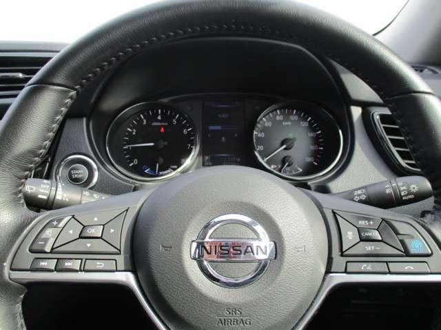 ドライバーに代わってアクセル、ブレーキ、ステアリングを自動で制御する、高速道路同一車線運転支援機能「プロパイロット」搭載