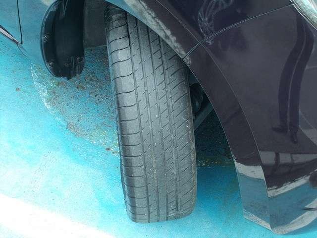 タイヤの状態については詳しくご説明いたしますのでぜひお問い合わせください。