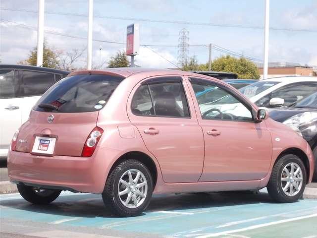 小回りが利いて便利なコンパクトカーなので女性や初めて免許を取られた方にはお勧めの車種です。