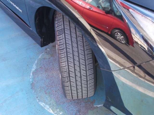 タイヤの溝はまだ残っていますので、安心して長距離も走れます。