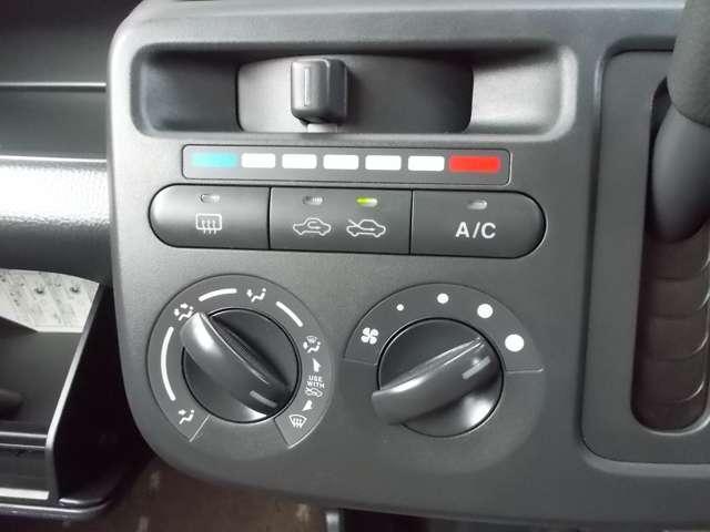 S アイドリングストップ CDチューナーバックカメラ スマキー キーフリー CD アイドリングストップ ワンオーナー ABS エアコン Rカメラ(7枚目)