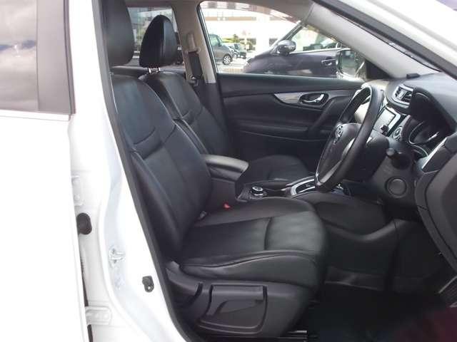 2.0 20X 2列車 4WD ルーフレール装着車 キーフリー ABS 盗難防止システム メモリーナビ アルミホイール スマキー バックビューモニター パートタイム4WD ワンオーナー車 ISTOP TVナビ ワンセグ(8枚目)