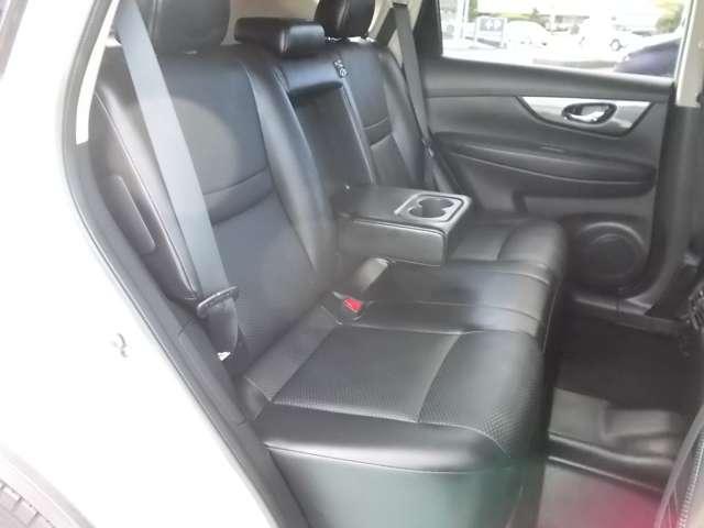 2.0 20X 2列車 4WD ルーフレール装着車 キーフリー ABS 盗難防止システム メモリーナビ アルミホイール スマキー バックビューモニター パートタイム4WD ワンオーナー車 ISTOP TVナビ ワンセグ(10枚目)