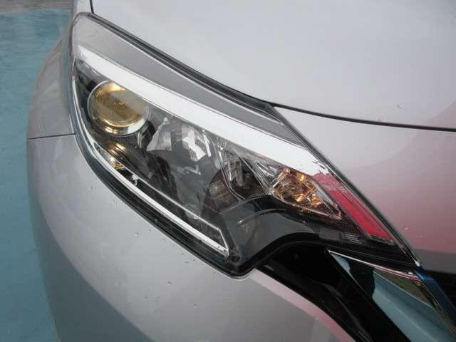 ヘッドライトはハロゲンランプを使用しています。