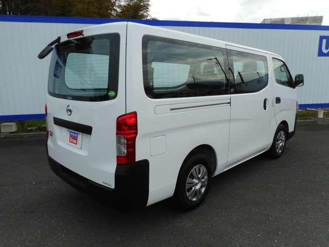 インタークーラー付ターボ搭載で、商用車にふさわしいパワフルな走りと優れた燃費性能も両立。